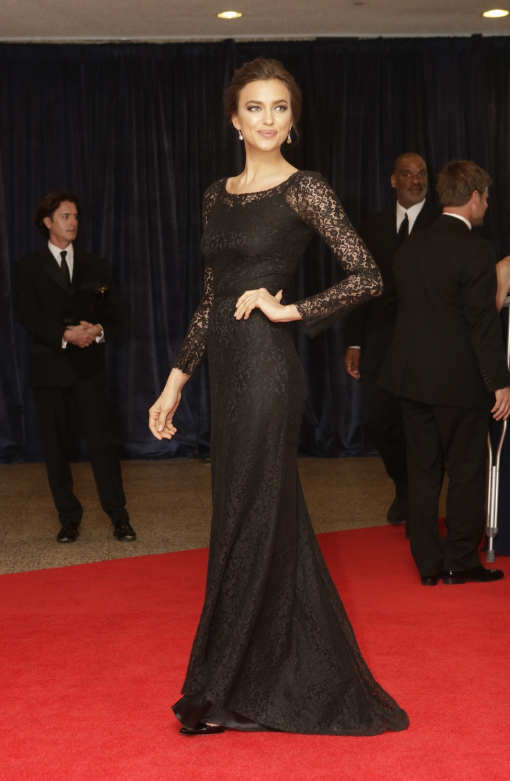 Irina Shayk in #dolcegabbana arrives at the annual White House Correspondents' Association dinner in Washington