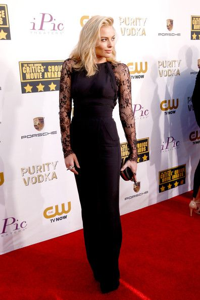Margot Robbie Actress Margot Robbie attends the 19th Annual Critics' Choice Movie Awards at Barker Hangar on January 16, 2014 in Santa Monic...