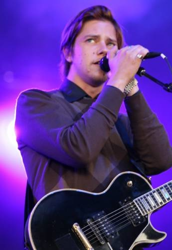 Paul Banks - one sexy man :)