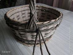 Мастер-класс Поделка изделие Плетение ручка для корзины  второй вариант Трубочки бумажные фото 11