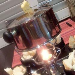 Fondue trois fromages @ qc.allrecipes.ca