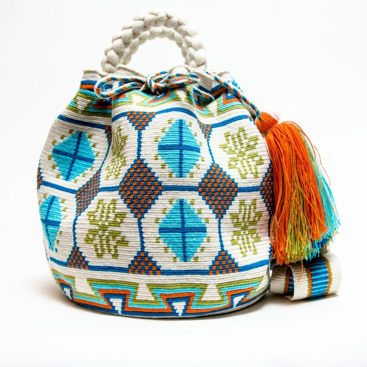 Hermosa Wayuu Bag | Limited Edition - Braided Handles – SHOP WAYUU BAGS | Handmade by the Wayuu Tribe