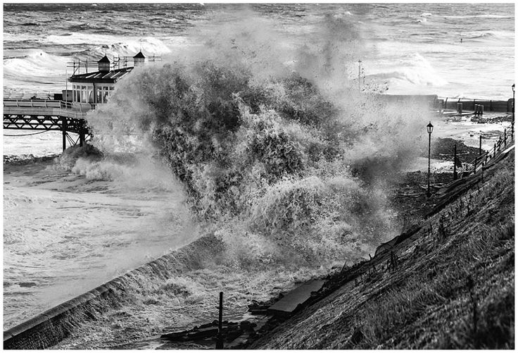 the impact of storm events in the british isles 40(marks) discuss the impacts of storm events in the british isles and evaluate the responses to them (40 marks one of the main storms events that took place.