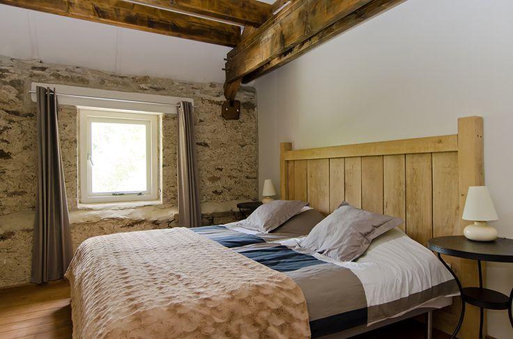 Tweepersoons slaapkamer met boxspringbedden