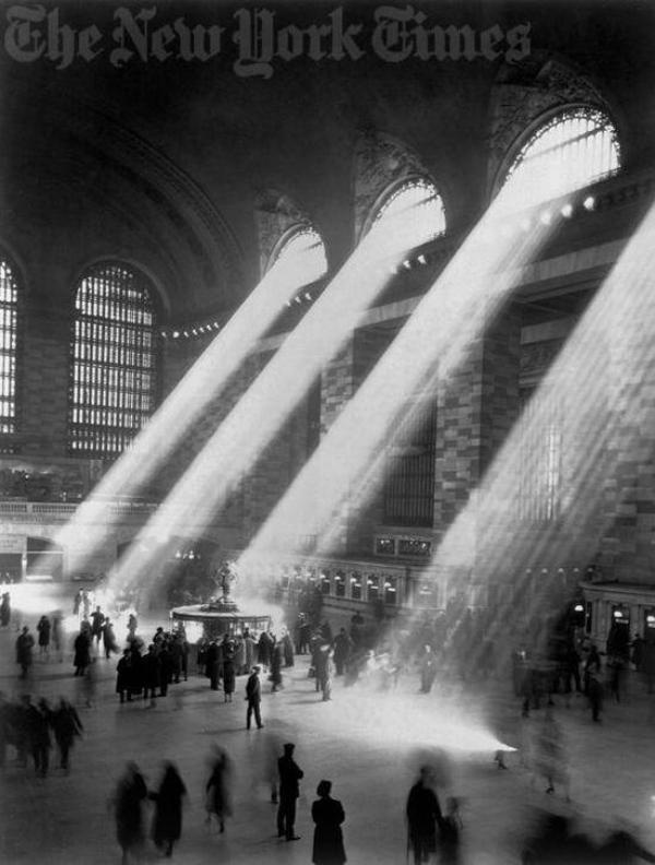 Grand Central Station, NYC, 1941.