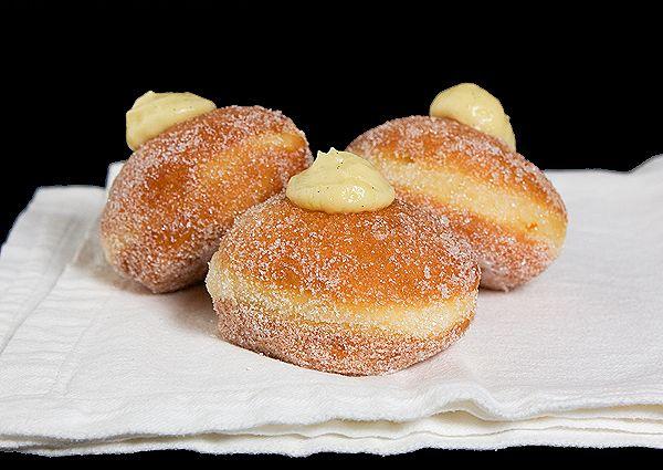 Bomboloni alla Crema  (Italian Cream-Filled Donuts)