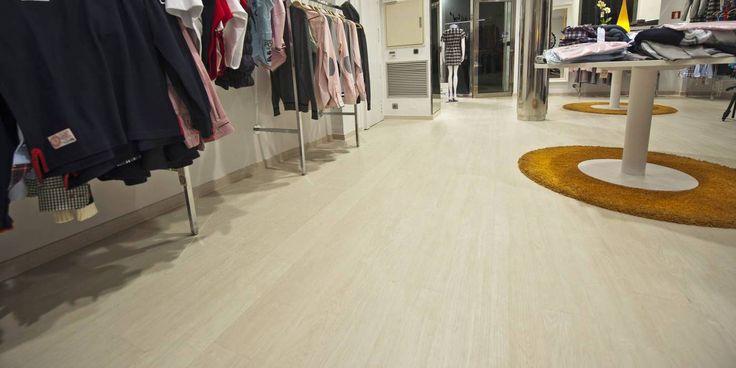 RUSTIC WHITE - Lamett BRUSSELS vinylová podlaha plovoucí  https://podlahove-studio.com/lamett/725-rustic-white-lamett-brussels-vinylova-podlaha-plovouci.html
