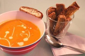 Jyväinen Kultakaura on lempeän täyteläinen ja ihanan makoisa herkku. Kultakauraviipaleista saakin nopeaa herkkua keittojen kanssa.