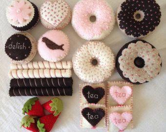 Tea Party sentiti cibo Donuts-faccia finta di giocare di birdtoast