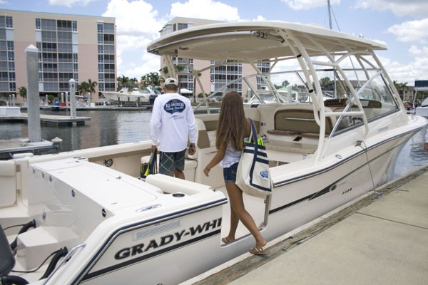 Grady-White Boats : Freedom 335 - 33' Dual Console