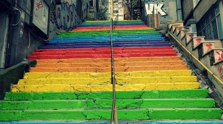 Ο δήμαρχος της Κωνσταντινούπολης απαγόρευσε το Gay Pride: Ο δήμαρχος της Κωνσταντινούπολης απαγόρευσε την παρέλαση υπερηφάνειας των…