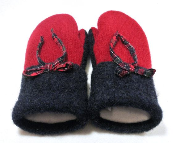 100% WOOL WOMEN'S Recycled Sweater Mittens - Red Mittens. Red Christmas. Womens Mittens. Accessories. Wool Mittens. Blue. Red.  Winter.