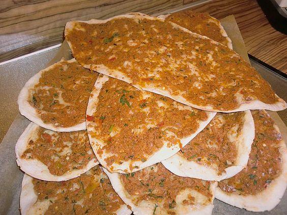 Lahmacun, ein sehr schönes Rezept aus der Kategorie Pizza. Bewertungen: 35. Durchschnitt: Ø 4,1.