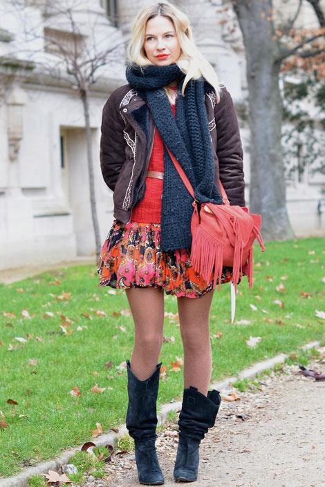 Charlotte Dellal: Cowboy Boots, Paris Fashion Week, Street Style, Fashion Street, Parisians Twists, Bubbles Skirts, Cowboys Boots, Belle Epoque, American Cowboys