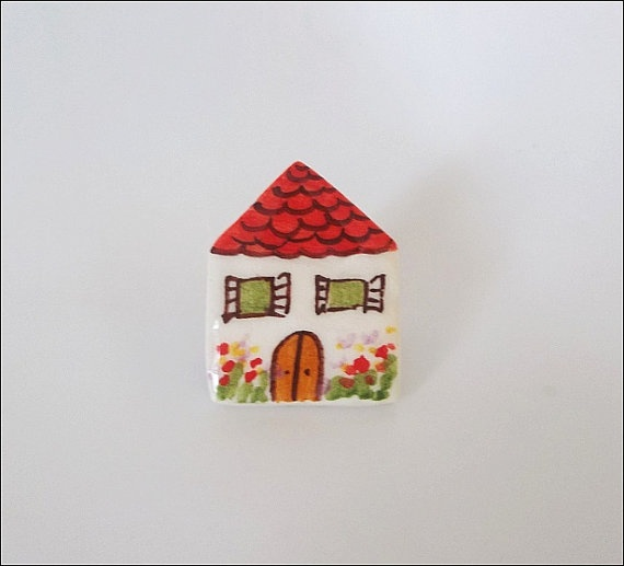 Little house ceramic brooch by IoannasVeryCHic on Etsy, 14.00