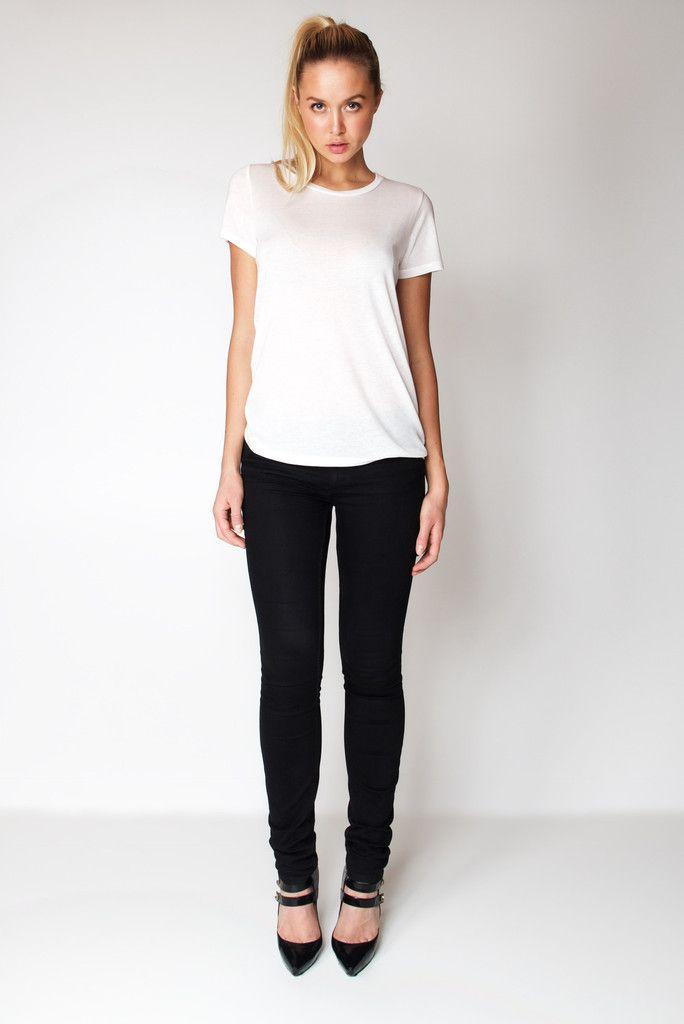 T-Shirt U Neck / White