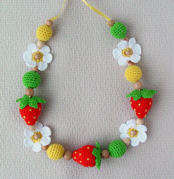 Teething Nursing Necklace Strawberry  Babywearing by NittoMiton