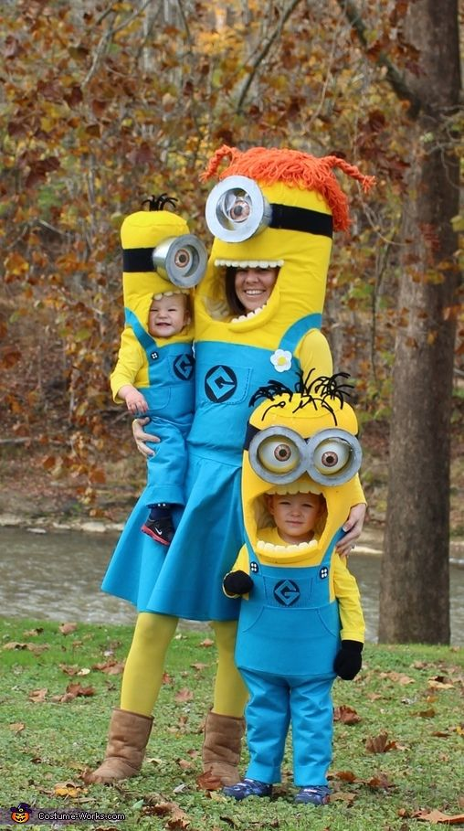 The Minion Family - Halloween Costume Contest via @costume_works