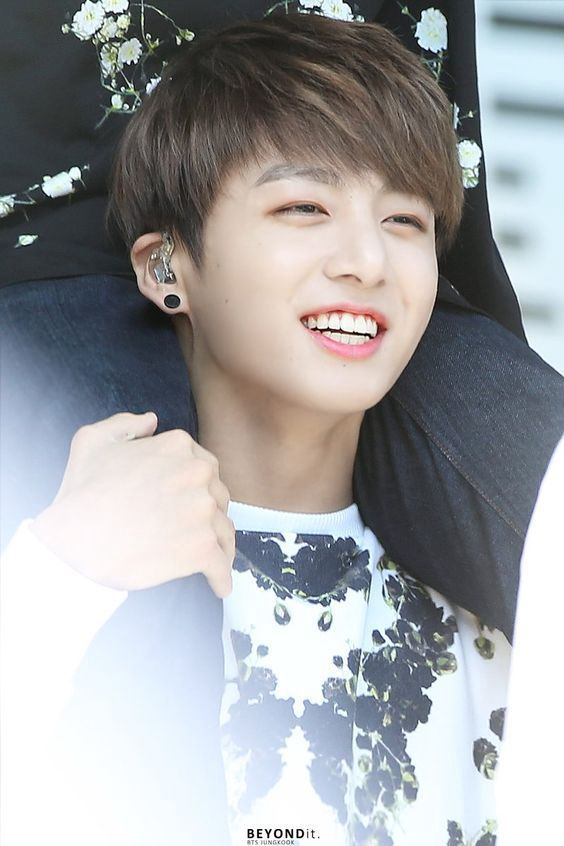 In a world where Kim (Y/N) is Bangtan's little sister~ |Book 1