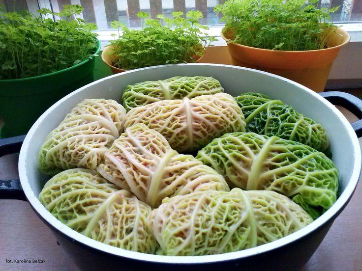 COMMANDARIA: Gołąbki z kapusty włoskiej w sosie pomidorowym