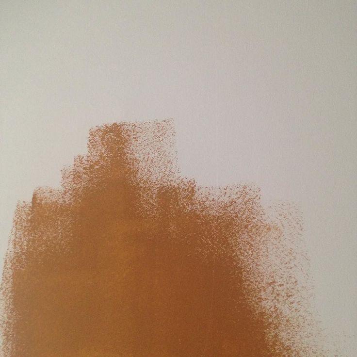 Okker gokker maleprojekt i vores stue  #okkergokker #okker #dogmerebrun #flügger #stilhistoriskfarvekort #maleprojekt #maling #farver2017 #farvetrends #interior #interiør #interiorstylist #interiørstylist #boligstylist #bolig #boligindretning #indretning ##stylingbylinetteklitgaard #farverigt #varmfarve #painting #colouredwalls #colour #colourful #warmcolours