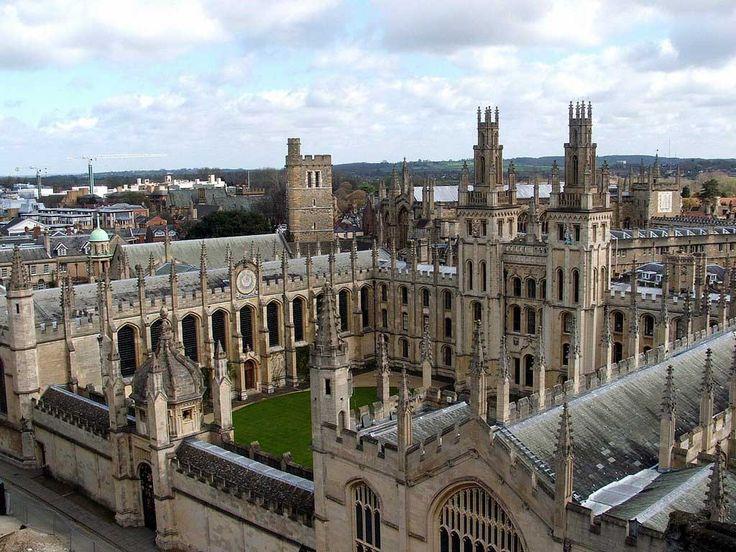 OXFORD A nord ovest di Londra è una delle città inglesi più belle in assoluto. Circondata da alcuni dei paesaggi più suggestivi in assoluto, vanta una storia millenaria e una delle università più prestigiose al mondo. La scuola che usiamo a Oxford fa parte di un gruppo con molti anni di esperienza alle spalle ed una reputazione impeccabile. La struttura è bella, moderna ma anche contenuta. Molto vicina al centro della città. clicca qui http://www.oxfordmontebelluna.it/viaggi-studio.html