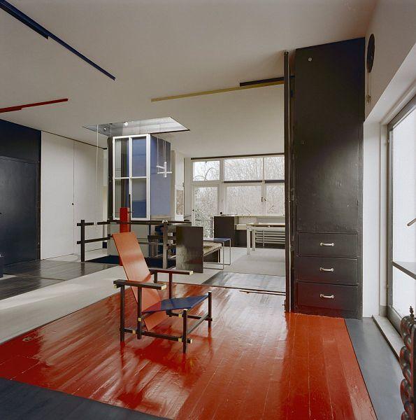 Rietveld schr derhuis interieur modern spirit for Interieur utrecht