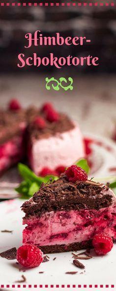 Leckere Himbeerschokotorte mit Schokobiskuit und einer fruchtigen Himbeer-Joghurt-Creme. Das ausführliche Rezept findet Ihr auf unserem Backrezepte-Blog.