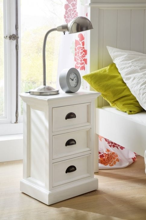 Small Bedside Table Ideas: Small Bedside Table Design Ideas