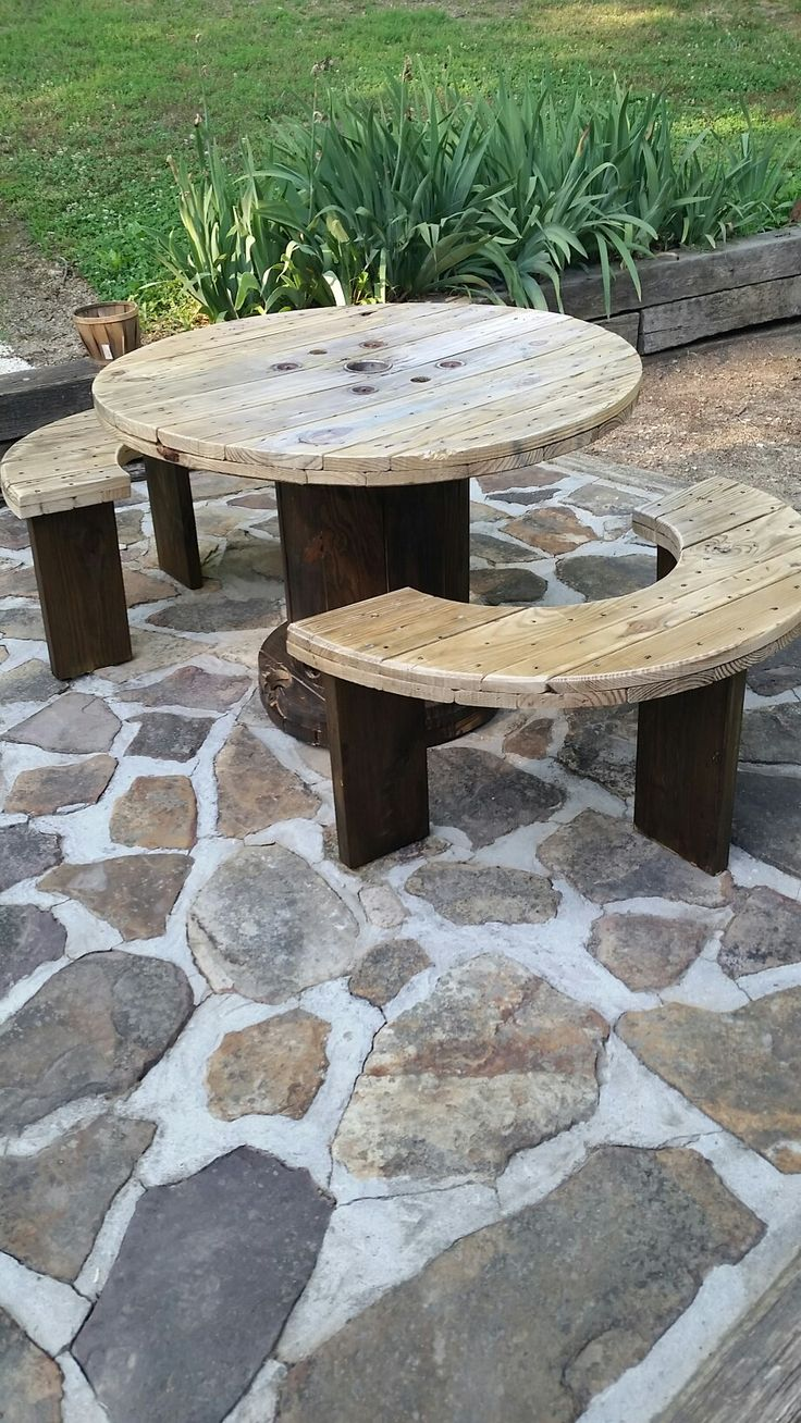 Outdoor table top ideas - Spool Table