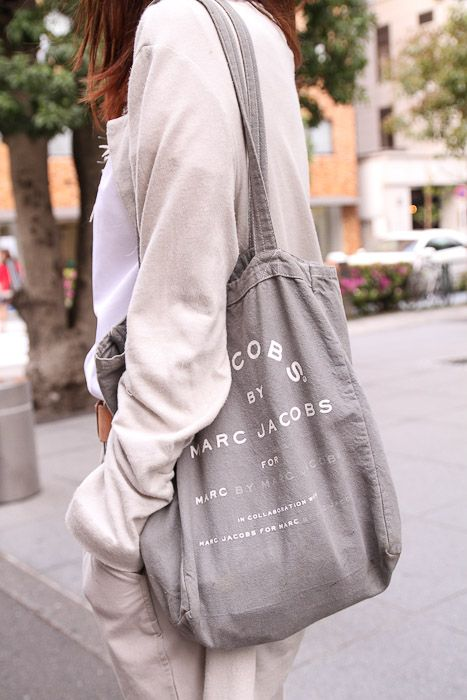 This is a Fashion Blog. Marc Jacobs canvas bag.