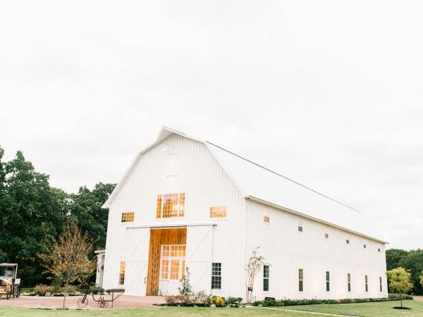 Beautiful wedding at The White Sparrow Barn — Grit + Gold Event Design | Dallas | Fort Worth | Austin | Destination