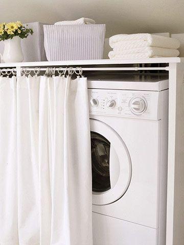 Idée pour cacher le lave-linge dans une petite salle de bain  http://www.homelisty.com/petite-salle-de-bain-lave-linge/