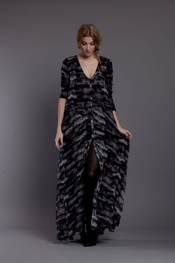 ROBE JANUARY  VEINES http://www.heimstone.com/fr/product/collection+femme/robes/h1304v1ve,v1ve+veines,robe-january.html