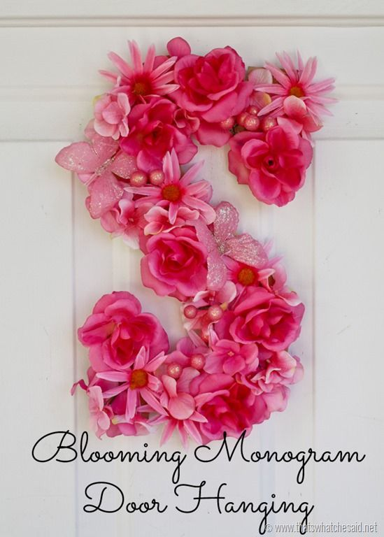 Blooming Monogram Door Hanging...perfect for Spring! #wreaths #monogram #decor