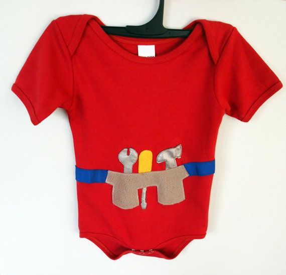 A must have item for your baby! This Tool Belt onesie has a handy hammer, wrench and screw driver.   Available at keb4kids on Etsy