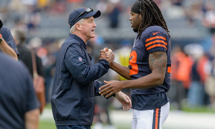 Bears' HC John Fox says WR Kevin White has great expectations = The Chicago Bears took WR Kevin White in the first round of the draft in 2015, hoping he'd become the next prolific NFL receiver and give their offense some teeth. Instead, he was injured and missed the entire season. In 2016, he was finally able to play a little bit, but only got into four games and struggled with injuries again. He was targeted 36 times, caught 19 passes, and put up all of 187 yards. He did not score a…