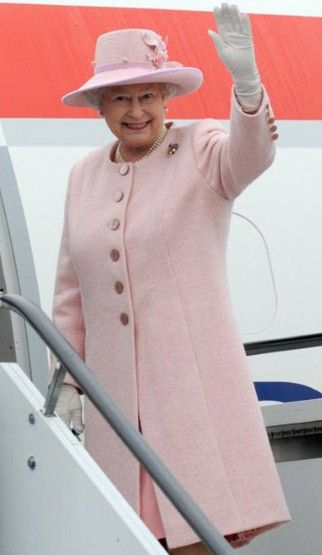 Queen Elizabeth II's colourful style in pictures - Fashion Galleries - Telegraph
