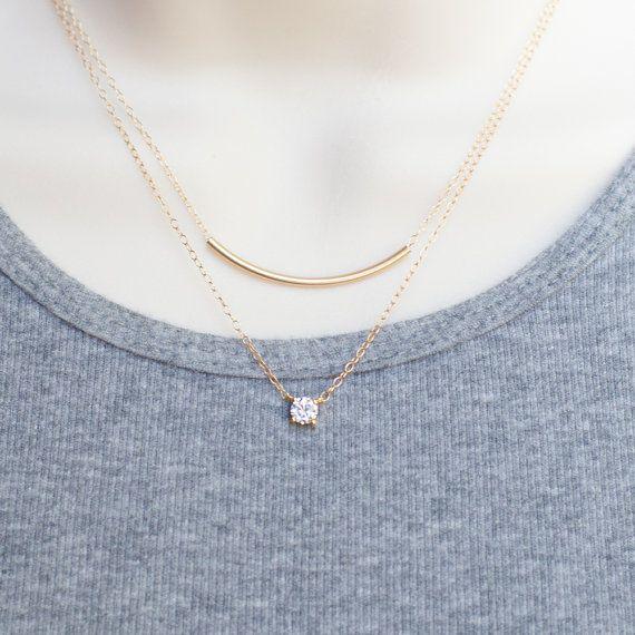 ; Die HOT Verkauf Halskette! Kleine und schöne hochwertige Zirkonia Charm ist direkt in die schöne minimal Optik-Kette verknüpft. Diese auffälligen glitzernden CZ Kette eignet sich für jedes Outfit und jeden Tag. Brautjungfer Geschenk zu perfektionieren! Modern und chic, das ist die * perfekte * jeden Tag Halskette- und sieht erstaunlich geschichtet!  {d e t a i l s}  ✥100 % 14k Gold füllen - echtem Gold soll ein Leben lang! ✥ Qualität Zirkonia Stein in einem 16k vergoldet festlegen ✥Choose…