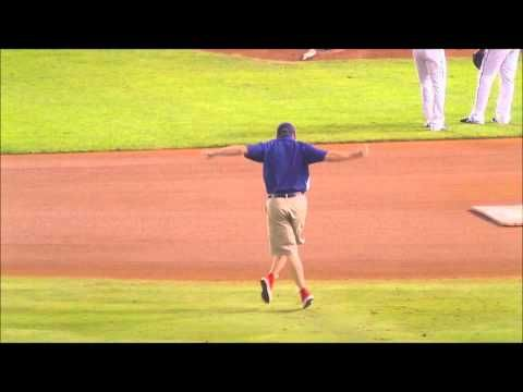 Ground Crew guy dances to Maroon 5 Move Like Jagger at Rangers 2011 World Series game 5