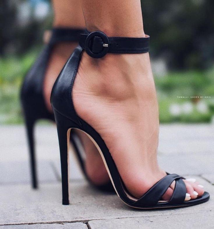 Black heel sandals with straps. ##highheelsandbowdrills ##highheelsanddeals ##hi…