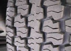 When the winter starts approaching there is always a debate between the people that need to purchase new sets of tyres, if one should buy studded or non-studded tyres. #studdedtyres