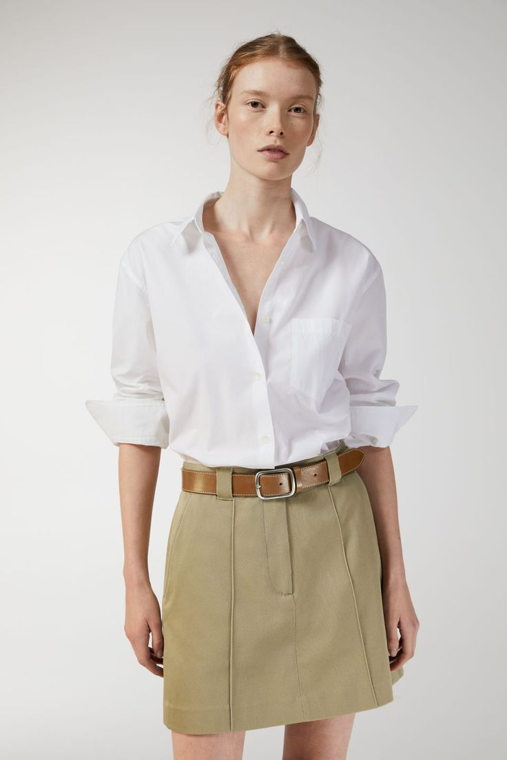 Model front image of Arket cotton twill skirt in beige