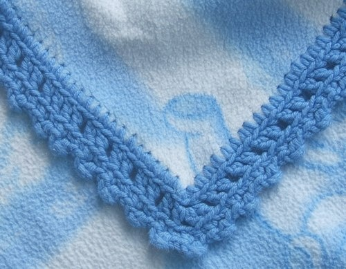 Crochet Edging Patterns For Baby Blankets : Flannel baby blanket edging Crochet Edging Pinterest ...