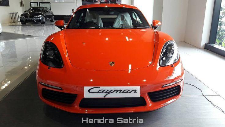 Porsche 718 Cayman #Porsche #Porsche718 #718Cayman #Cars #Autos #Vehicle #Indonesiacars #Instalike #Instaauto #Instacars #Instamoment #CarofIndonesia #CarInstagram #Carstagram #Cargram #Carporn #Caroftheday #Carspotter #Carspotting #Spotoftheday #Motortrend #Cars_007 #PorscheIndonesia #Surabaya #Indonesia Photo: Hendra Satria Wasisthawan Take By: Samsung Galaxy A3 (2016) Date: 9 April 2017 http://unirazzi.com/ipost/1491763695280516719/?code=BSzzy1aBO5v