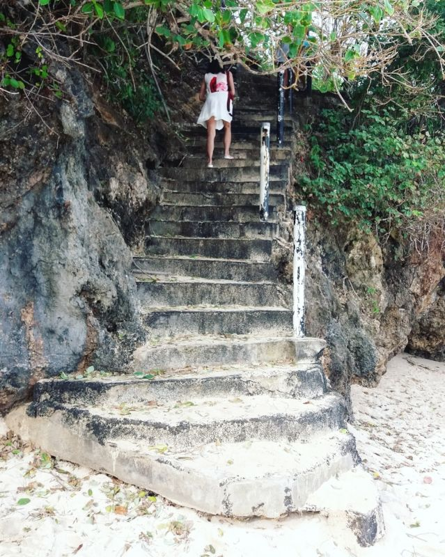 Hidden beach in Bali, Indonesia. Click through to discover Bali off the beaten path.