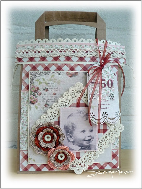 Red Gingham and Crochet Flowers - Card/Tag/Gift Bag