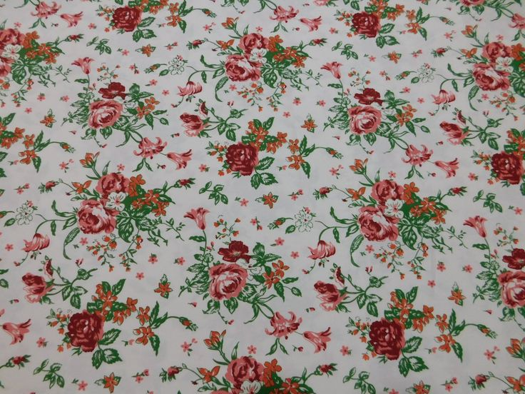 Sarja Estampado Floral Vermelho não amarrota, dura mais, tem cores que não desbotam e um ótimo caimento.  Indicado para calças, jaquetas, jaleco, blusões, conjuntos, saias, bermudas e até vestidos.  Confira Sarja Estampado Floral Vermelho e outras estampas de Sarjas em nossa loja virtual www.LuemaTecidos.com.br  #tecidos #sarja #sarjaestampada #vempraluema #luematecidos
