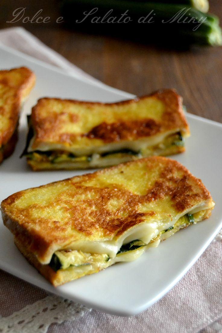 French toast con zucchine e mozzarella
