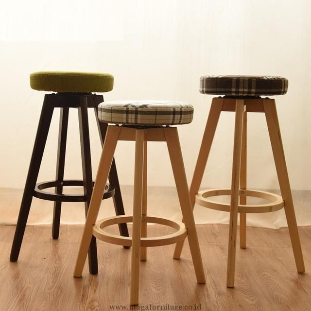 Kursi Bar Jok Putar Murah Terbaru - Merupakan model kursi untuk bar atau cafe dengan dudukan jok yang bisa berputar. Berbahan baku kayu jati berkualitas pas